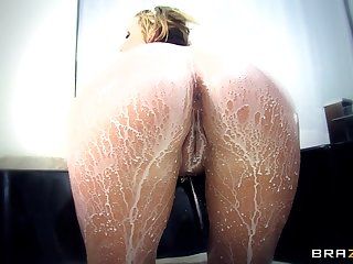 Dirty pussy and ass fucking on the table with blonde Nikki Sexx