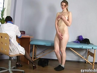 Doll Gynecologist Advisor Turns Tall Woman To Lesbo Activity