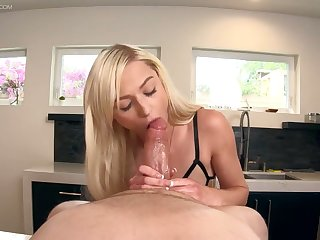 Sexy nude cooker in apron Morgan Rain gives her head and gets her muff nailed