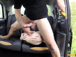 Lucky taxi driver and Star Del Ray make love black taxi