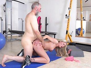 Senior man sticks his dick into a fresh pussy