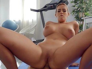 Hardcore POV action leads the MILF to wild orgasms